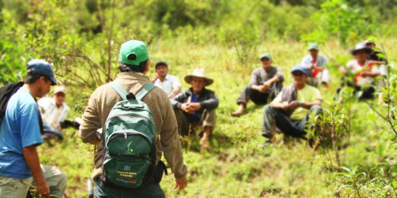 Coopératives de communautés de paysans producteurs de produits alimentaires biologiques et équitables pour Allpampa